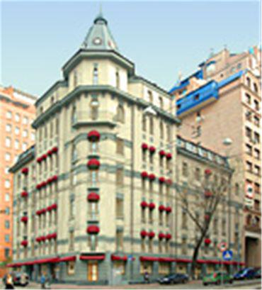 Senator Apartments Executive Court